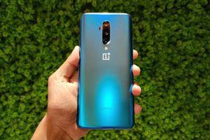 Trên tay smartphone chip S855 Plus, RAM 12 GB, 3 camera sau, giá 17,65 triệu