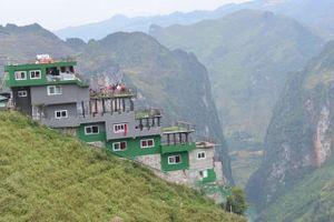 Khách sạn trên đèo Mã Pì Lèng phủ xanh, lãnh đạo địa phương không biết?!