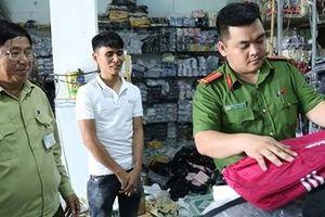 Phát hiện 6000 ba lô, túi xách nghi nhập lậu giả hàng hiệu