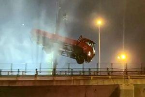 Ba người thiệt mạng trong vụ sập cầu vượt ở Trung Quốc