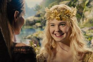 'Công chúa' Elle Fanning và những mối tình lãng mạn tháng 10
