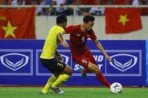 'Phải rất chuyên nghiệp Văn Hậu mới đá được trận Việt Nam vs Malaysia'