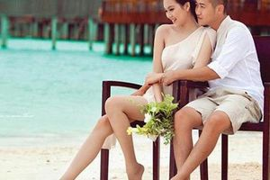 'Gái hai con' Phạm Ngọc Thạch diện bikini khoe vóc dáng gợi cảm trên biển