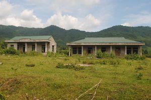 Hoang tàn dự án tái định cư Khe Mừ