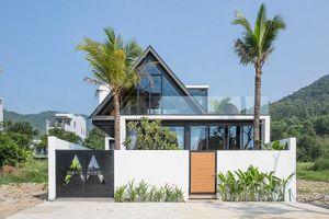 Độc lạ ngôi nhà thép áp mái ở Sơn Trà