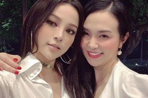 Huyền Baby đăng ảnh kỷ niệm 10 năm tình bạn với vợ ca sĩ Tuấn Hưng
