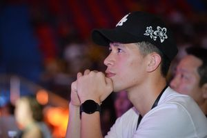 Đình Trọng đi xem Team Flash vào chung kết Liên quân quốc nội