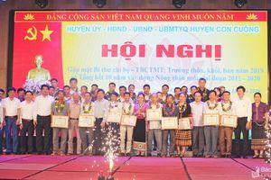 Trao chứng nhận 'tấm lòng vàng' cho 233 hộ ở huyện Con Cuông
