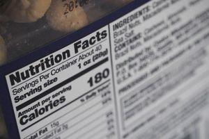 Đọc nhãn dinh dưỡng thế nào để chọn thực phẩm cho đúng?