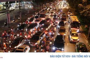 Khó có thể giải quyết triệt để kẹt xe trên đường Nguyễn Hữu Cảnh