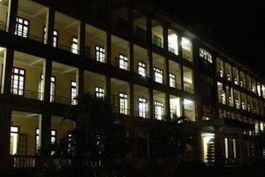 Không có kinh phí trả bảo vệ, nhiều giáo viên ở Tiền Giang phải trực đêm không lương