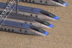 Tàu cao tốc Shinkanshen chìm trong biển nước vì siêu bão Hagibis