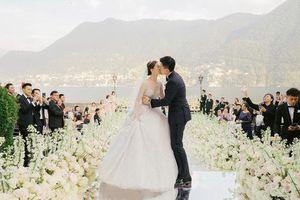 Đám cưới như mơ bên hồ của sao nữ 'Thiên long bát bộ'