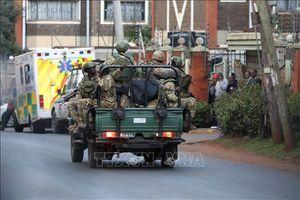 Nhiều cảnh sát Kenya thiệt mạng khi xe vướng phải mìn