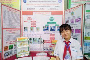 Nữ sinh lớp 9 bào chế gel trị bỏng từ cây nhà lá vườn
