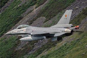 Chiến cơ Nga 'chạy mất dạng' khi F-16 Bỉ 'chơi rắn' ở biển Baltic