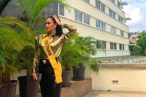 Lên núi mà diện váy bó sát, áo độn vai, Kiều Loan quyết tâm chiếm spotlight tại Miss Grand 2019