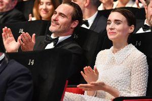 Chuyện tình của 'Joker' Joaquin Phoenix và tiểu thư Hollywood