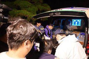 Cảnh sát hoàn tất điều tra, đưa thi thể Sulli tới bệnh viện