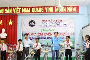 Đồng hành cùng học sinh nghèo vượt khó tỉnh Trà Vinh