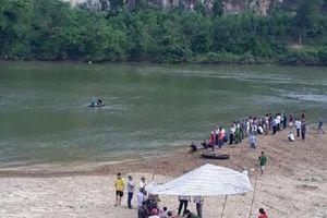 Hà Tĩnh: Xót thương 3 cháu nhỏ xuống sông tắm bị đuối nước tử vong thương tâm