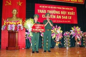 Khen thưởng Ban chuyên án phá đường dây vận chuyển 100 nghìn viên ma túy