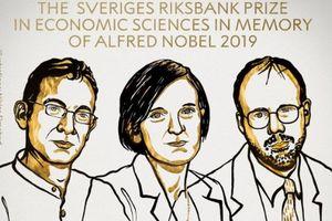 Tin tức thế giới 14/10: Nobel Kinh tế 2019 vinh danh ba nhà khoa học giúp giảm nghèo toàn cầu