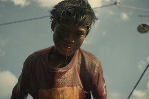 Phim 'Ròm' bị phạt 40 triệu sau khi thắng giải ở LHP Busan