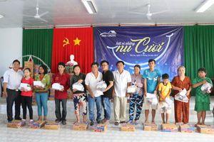 Quỹ Nhà chung trao quà cho những gia đình khó khăn tại tỉnh An Giang