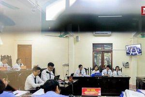 Chùm ảnh: Toàn cảnh phiên xét xử sơ thẩm vụ gian lận thi cử Hà Giang ngày đầu tiên