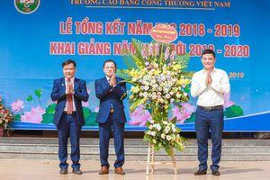Trường CĐ VCI: Nhiều chính sách ưu đãi cho hàng trăm sinh viên dịp lễ khai giảng năm học mới