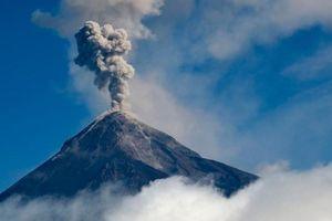 Con người phát thải CO2 gấp 100 lần tất cả núi lửa