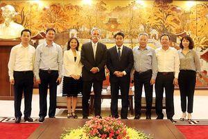 Chủ tịch UBND TP Hà Nội tiếp Chủ tịch kiêm Giám đốc điều hành Tập đoàn Formula One