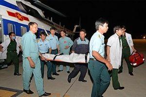 Chuyển bệnh nhân cấp cứu từ Trường Sa về đất liền an toàn