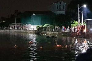 Bơi thuyền vịt bị lật, hai bé gái đuối nước tử vong