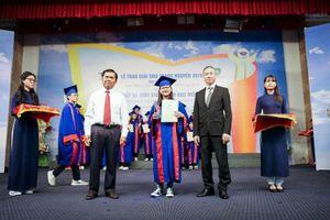 Hơn 100 sinh viên, học sinh phía Nam vinh dự nhận giải thưởng Hoa Trạng Nguyên