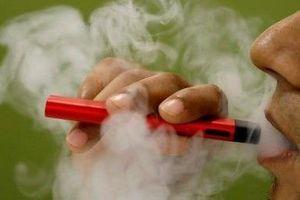 Malaysia xem xét cấm hoàn toàn thuốc lá điện tử