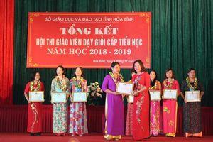 Nhiều giáo viên huyện Kỳ Sơn nói bị ép đi thi giáo viên dạy giỏi