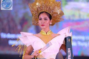 Hoàng Hạnh đạt giải đồng trang phục dân tộc tại Miss Earth 2019