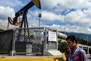 Trung Quốc không ngừng đòi đối thoại thêm, nhà đầu tư bán mạnh dầu