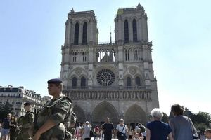 Pháp kết án 5 phụ nữ vì âm mưu tấn công Nhà thờ Đức Bà
