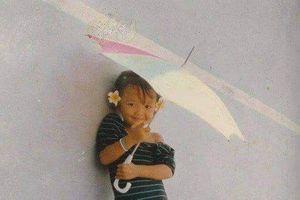 Tóc Tiên gây sốt với loạt ảnh sành điệu và xinh đẹp từ thuở nhỏ