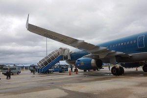 Máy bay Vietnam Airlines 2 lần hạ cánh bất thành do thời tiết xấu
