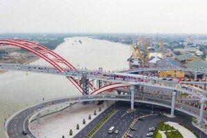 Thủ tướng cắt băng thông xe kỹ thuật cầu vòm có nhịp cầu lớn nhất Việt Nam