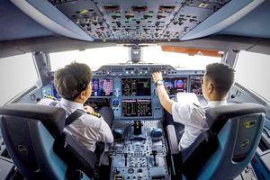 Hàng không Việt vẫn 'khát' giám sát viên an toàn bay