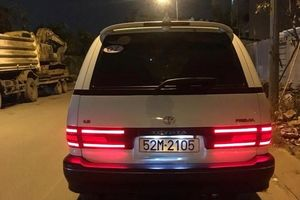 Dân chơi Việt độ đèn LED cho Toyota Previa đời 1992