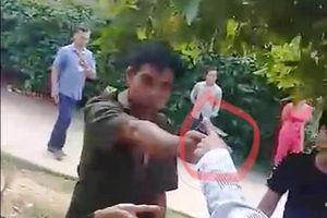 Phó công an xã ở Quảng Nam rút súng chĩa vào người dân