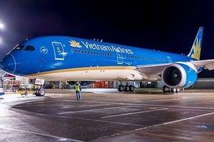 Không có chuyện máy bay Vietnam Airlines chạm đường băng 2 lần rồi lại bay lên