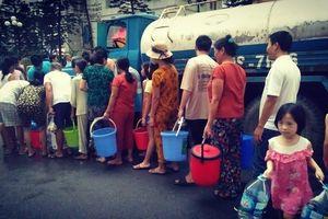 Hoàng Mai: Nỗ lực khắc phục sự cố nước sạch có mùi lạ