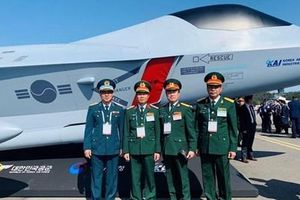 Hàn Quốc giới thiệu tiêm kích tàng hình KF-X cho Việt Nam